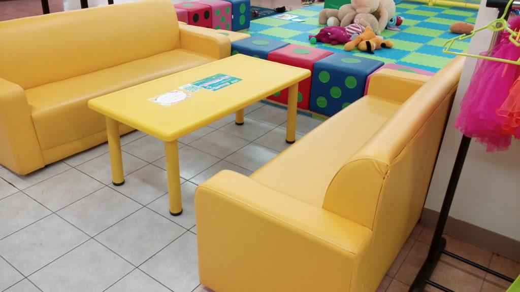 キッズUSランド上福岡子供の遊び場休憩スペース