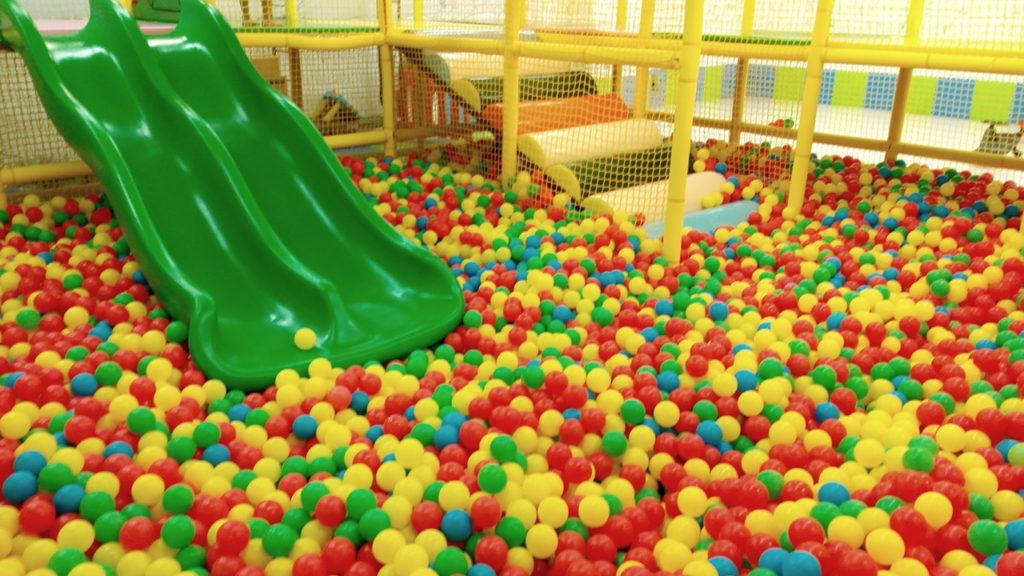 ボールプール キッズUSランド子供の遊ぶ場所遊び場