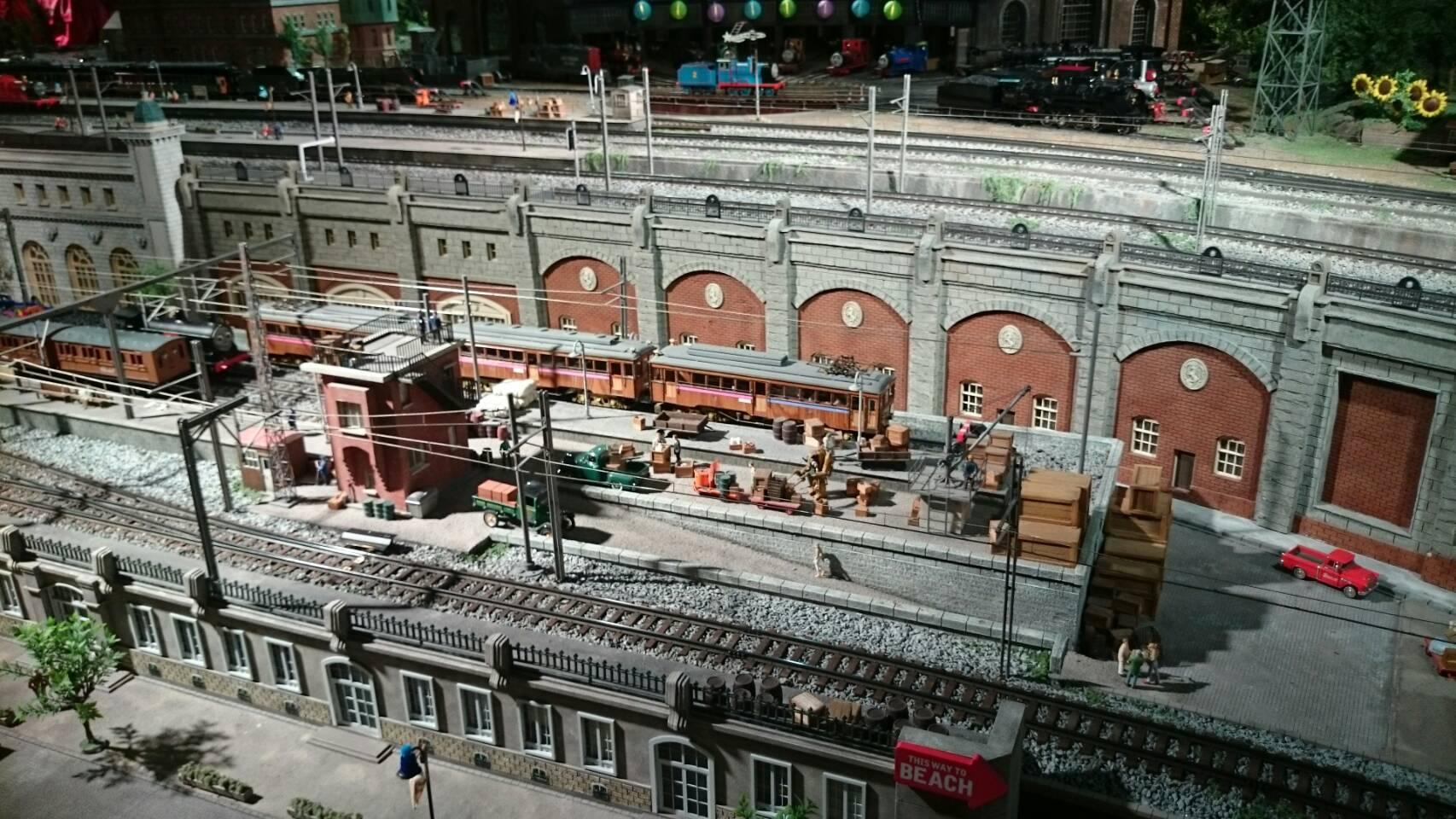 原鉄道博物館ジオラマ見れる電車