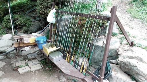 小沢松レジャー農園にじます釣り
