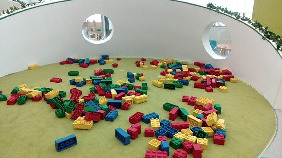未来科学館子供の遊び場ブロック