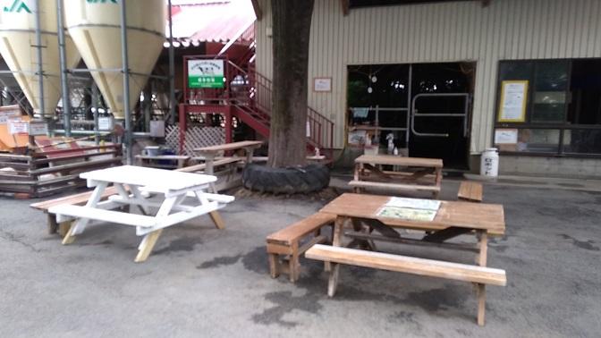 榎本牧場の休憩スペース