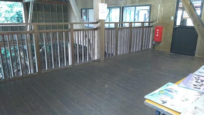 榎本牧場大きな牛舎2階
