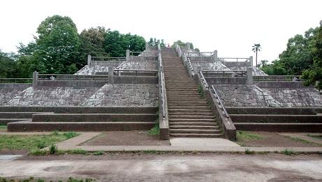 昭和記念公園太陽のピラミッド