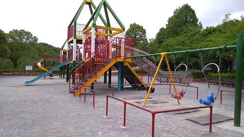 児童遊園地遊具ブランコ