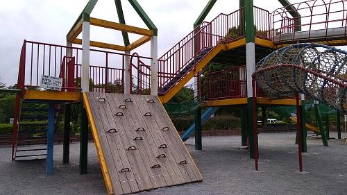 上尾丸山公園遊具のぼる