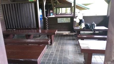 上尾丸山公園休憩所スペース