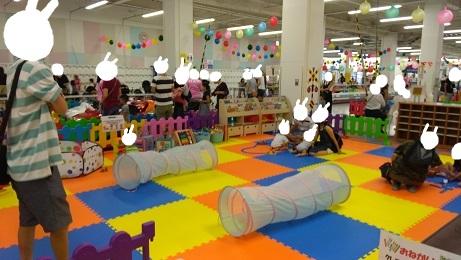 おもちゃコーナー赤ちゃん遊び場