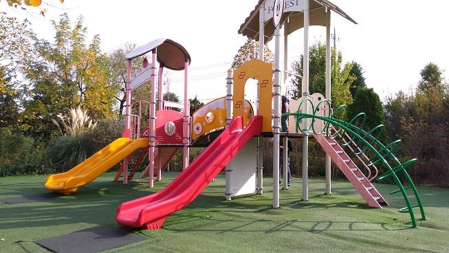 花園フォレストの子供の遊び場