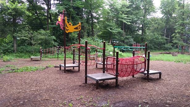 智光山公園の子供の遊び場