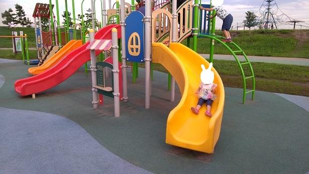 2歳の子供が滑れる滑り台