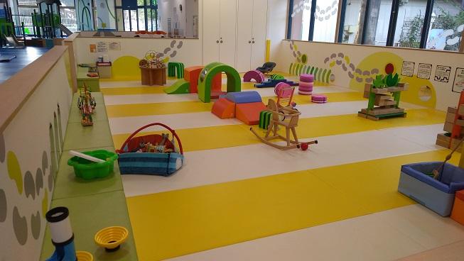 アソブラボー赤ちゃんの遊ぶ部屋