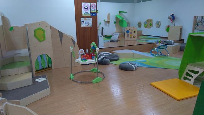 赤ちゃんや小さい子専用遊び場コーナー