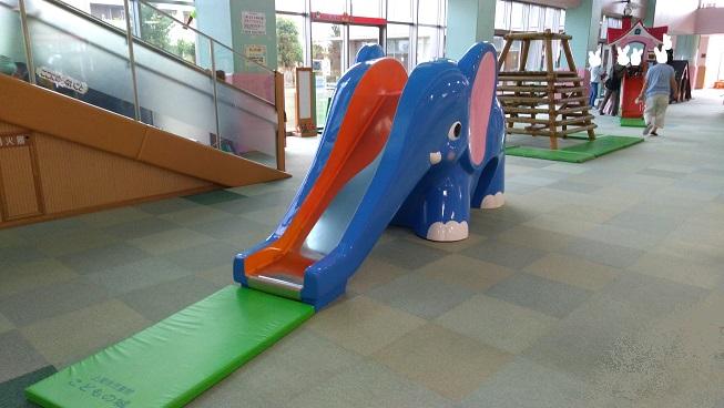 ゾウさん滑り台