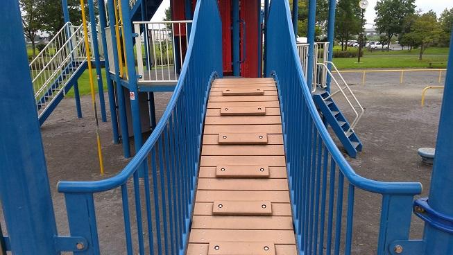 遊具の階段