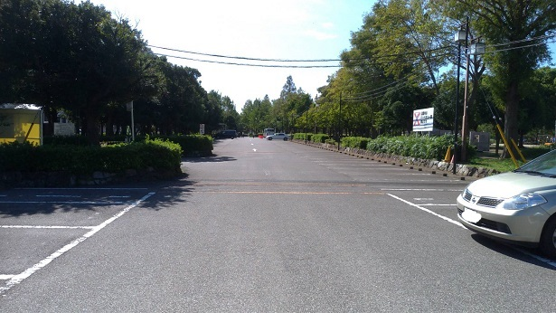 みさと公園駐車場