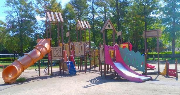 みさと公園小さい子供向け遊具