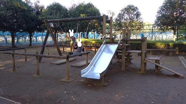 内牧公園小さい子向けアスレチック遊具滑り台