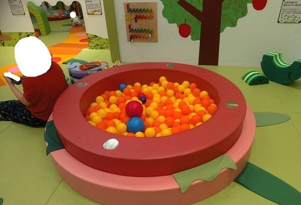 赤ちゃん用ボールプール