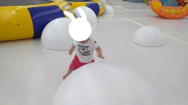 半球白いドーム