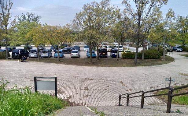 荒川彩湖公園駐車場