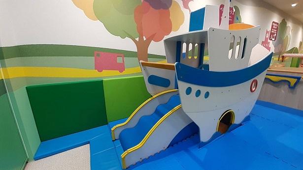 赤ちゃんの遊び場船の遊具